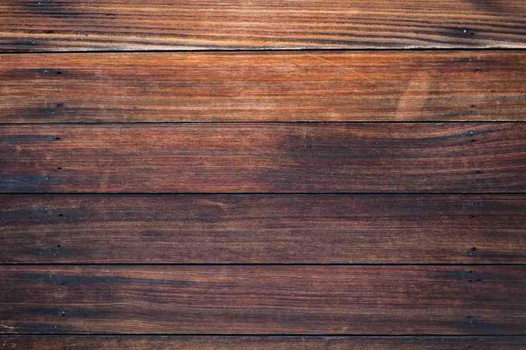 Comment faire tenir une palissade en bois ?