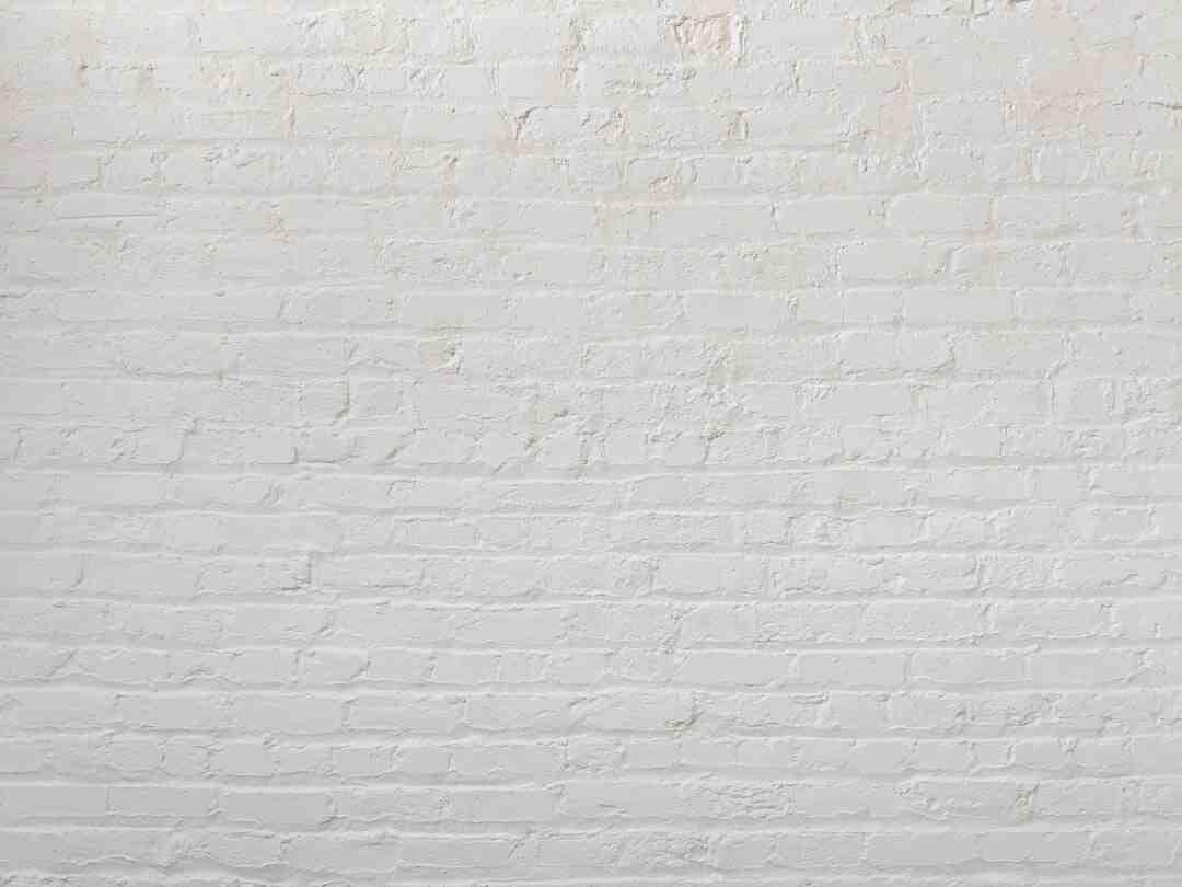Comment fixer un tasseau sur un mur ?