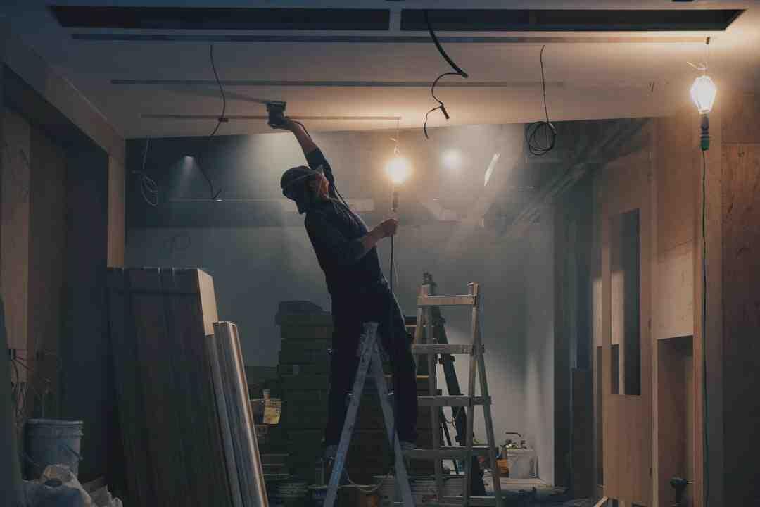 Comment isoler le plafond d'une salle de bain ?