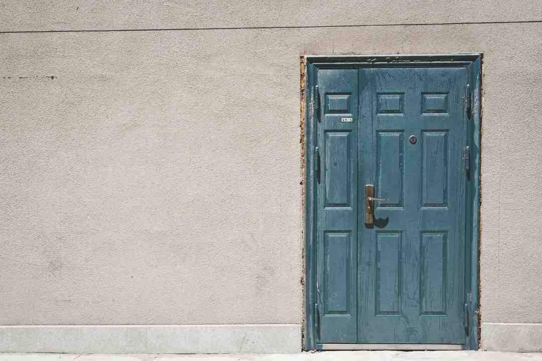 Comment régler les gonds d'une porte ?